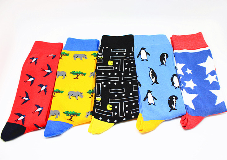 Cartoon PacMan Print Socks Folivora Penguin Cactus Puzzle Tiger Rhino Swallow Panda Alarm Clock Radio Cartoon Men Cotton Sock