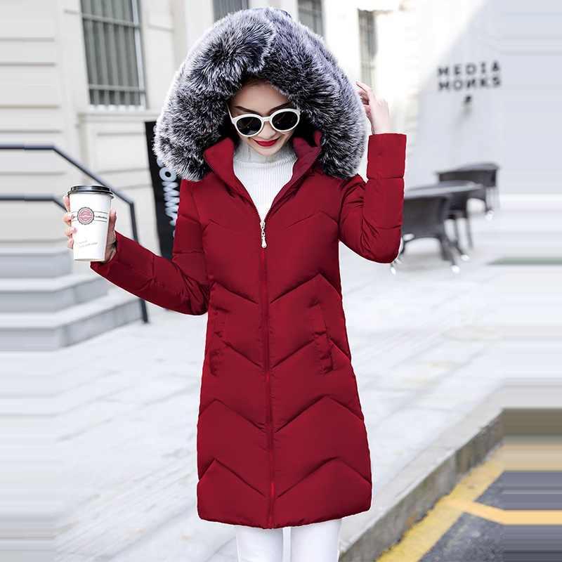 冬のジャケットの女性パーカーコート女性のファッションダウンジャケットとフェイクファーの襟女性のコート暖かい冬生き抜く