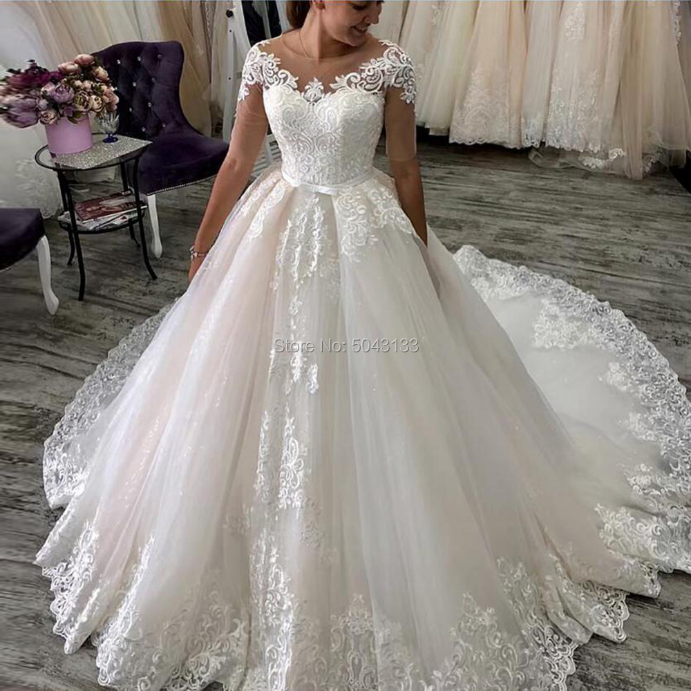 Romantic Custom Short Sleeves Lace Appliques Wedding Dresses 2020 With Sash Sweep Train O-Neck Tulle Wedding Bridal Gowns
