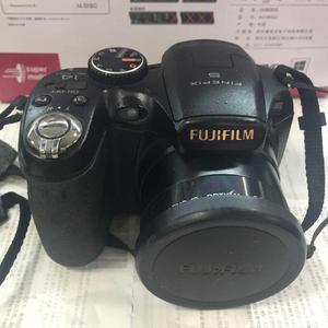 UTILIZZATO FUJIFILM FINEPIX S2900HD 14 MP Fotocamera Digitale con 18x Larga Ottico Zoom e LCD Da 3.0 Pollici
