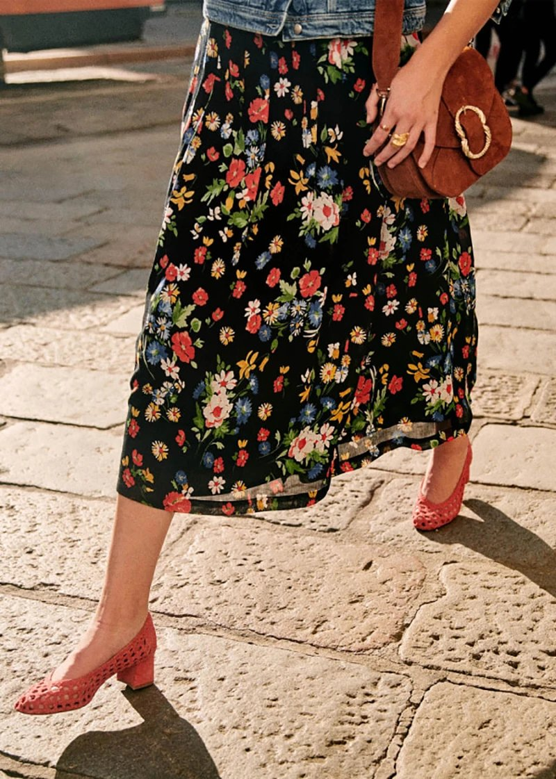 Holiday Style Daisy Floral Print  Women Skirt 2020 Spring Summer New Split Temperament Lady Casual Skirt
