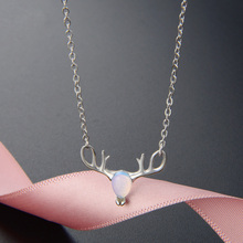 2019 New Fashion Necklace Women Elegant Exquisite Deer Head Shape Synthetic Moonstone Pendant Link Chain Silver Choker Female