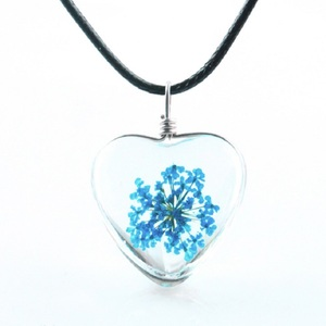 Image 4 - 1PC crystal glass dried flower pendant clover necklace fashion small fresh couple decoration birthday gift jewelry men and women