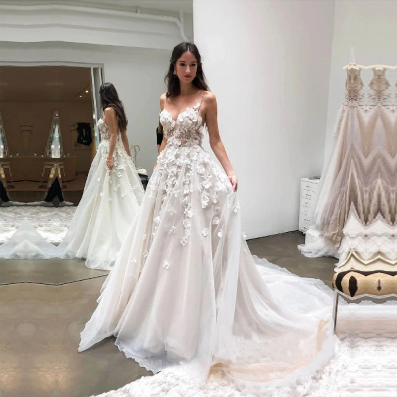 2020 Graceful V Neck Beach Wedding Dresses Backless 3D Floral Appliqued Lace Bridal Gowns Tulle Vestido De Novia Free Shipping