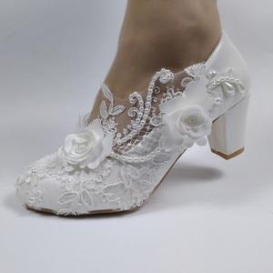 Image 2 - BaoYaFang לבן פרח משאבות חדש הגעה נשים חתונה נעלי כלה גבוהה עקבים פלטפורמת נעלי לאישה גבירותיי המפלגה שמלת נעליים