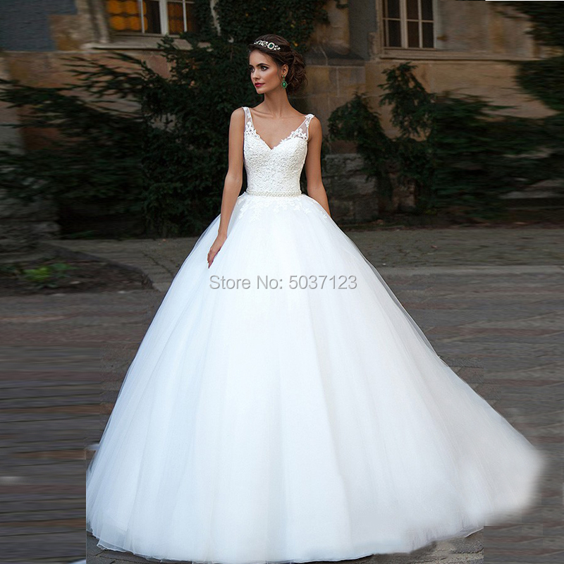 Vestido De Noiva Tulle Ball Gown Wedding Dresses V Neck Sleeveless Lace Appliques Beading Belt Lace Up Bridal Gowns Sweep Train