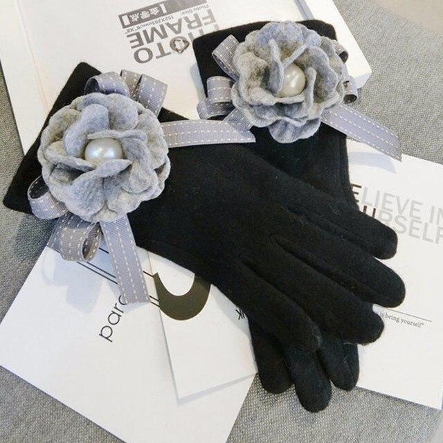 2020 Brand Gloves Winter Women Gloves Cashmere Mittens Female Big Flower Warm Wool Gloves Women Driving Gloves 5
