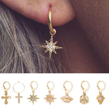 Dzikie i darmowe Star Hoop kolczyki dla kobiet złota moneta krzyż małe oczy Tiny Huggie kolczyki w kształcie obręczy z dżetów minimalistyczna biżuteria tanie i dobre opinie wild free Zinc Alloy Kobiety 20mm * 15mm TRENDY Geometryczne Rhinestone YC06076 Moda Huggie Hoop Earrings gold Drop Shipping Accept