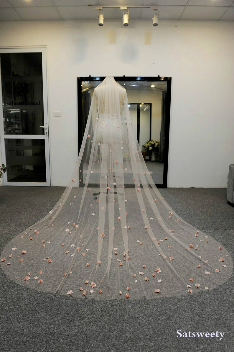 High End Customized Soft Tulle Woman Chapel Bridal Veils Multi Color Veil For Bridal 3D Flowers Wedding Veil