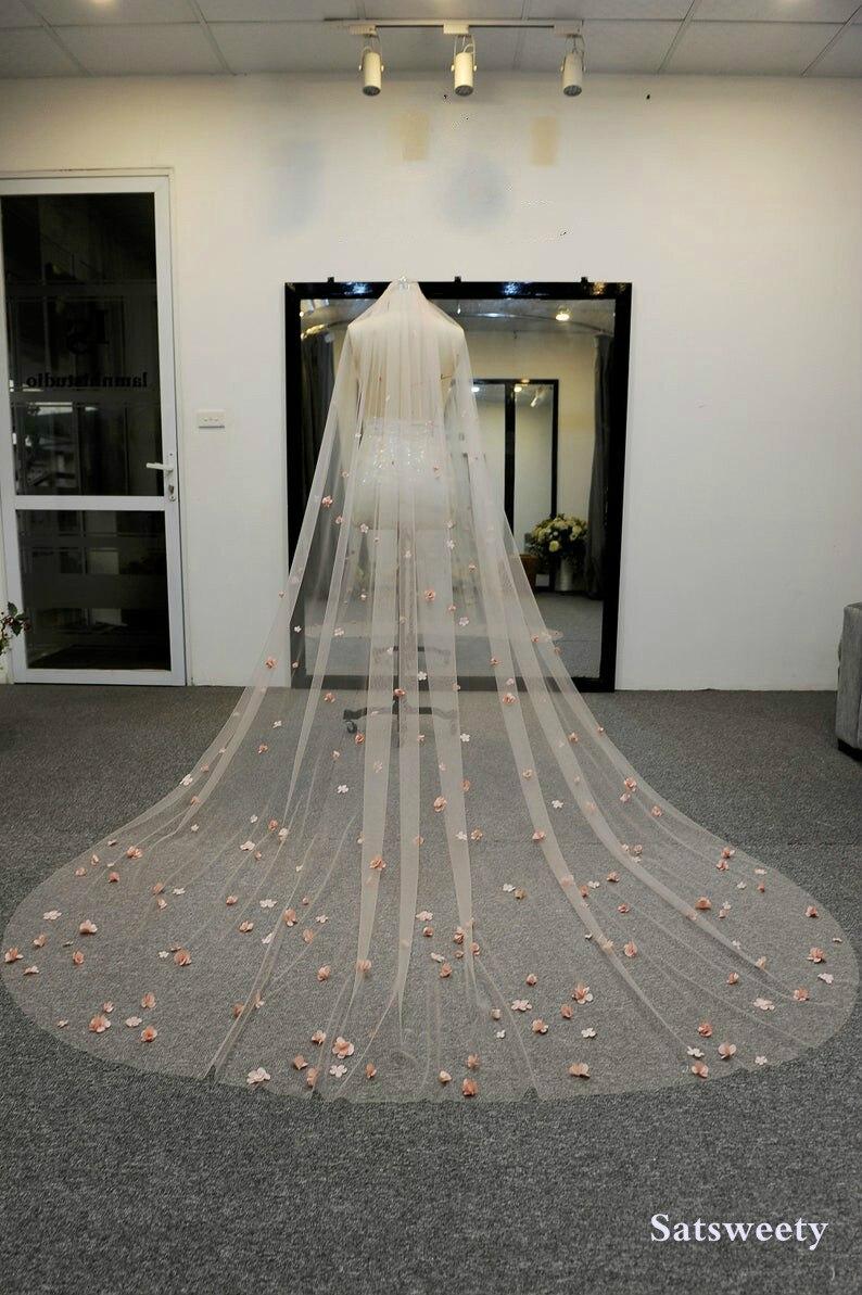 High End Customized Soft Tulle Woman Chapel Bridal Veils Multi Color Veil For Bridal 3D Flowers Wedding Veil
