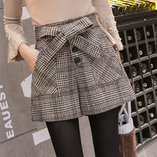 New Fashion High Waist Plaid Wool Shorts Women Korean Style Lace-Up Single Breasted Wide Leg Shorts Female Casual Woolen Shorts