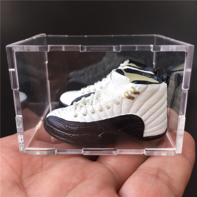 For Dropshipping and Wholesale 3D Mini Sneaker Keychains Mini Shoe Keyrings Phone Strap 2