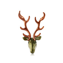 Fashion temperament European and American new animal brooch personality creative elk chest flowers lady corset