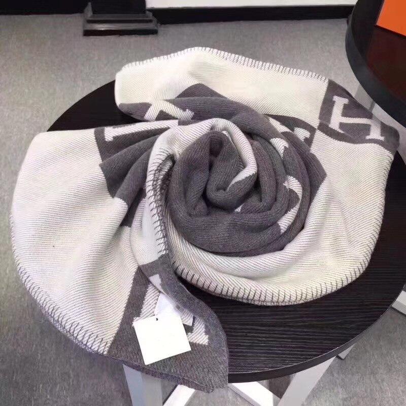 20190915002 H marque lettre cachemire couverture Crochet doux châle Portable Plaid canapé voyage polaire tricoté jeter Cape couvertures