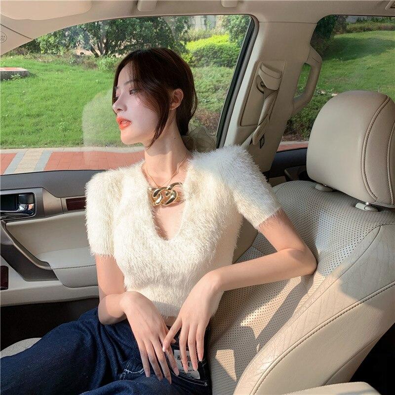 Женский Пушистый свитер белый короткий облегающий топ с v образным