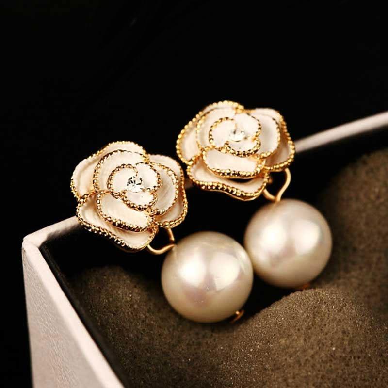 Style à la mode camélia fleur boucles doreilles perle fleur grande marque Eesign Boucle doreille Boucle Femme Pendante Chic bijoux