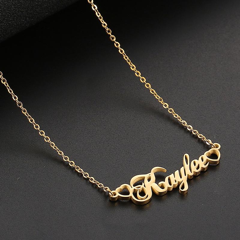 SKQIR Any Custom Name Pendant Necklace Personalized Letter Heart Stainless Steel Choker Wedding Gift For Women