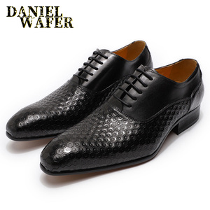 Image 2 - LUXURY BRAND MEN LEATHER SHOES GEOMETRIC PRINTS MEN OFFICE WEDDING FORMAL SHOES BLACK BROWN LACE UP POINTED TOE OXFORD SHOES MEN