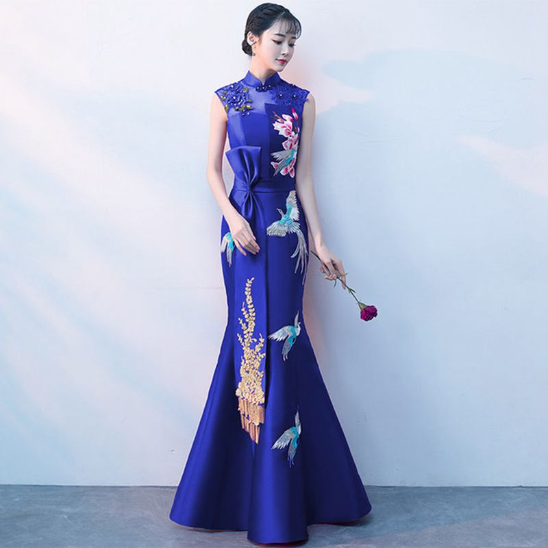 Qi Pao Traditional Embroidery Women Cheongsam Royal Lady Evening Party Mermaid Dress Sexy Sleeveless New Qipao çin Elbise 2019
