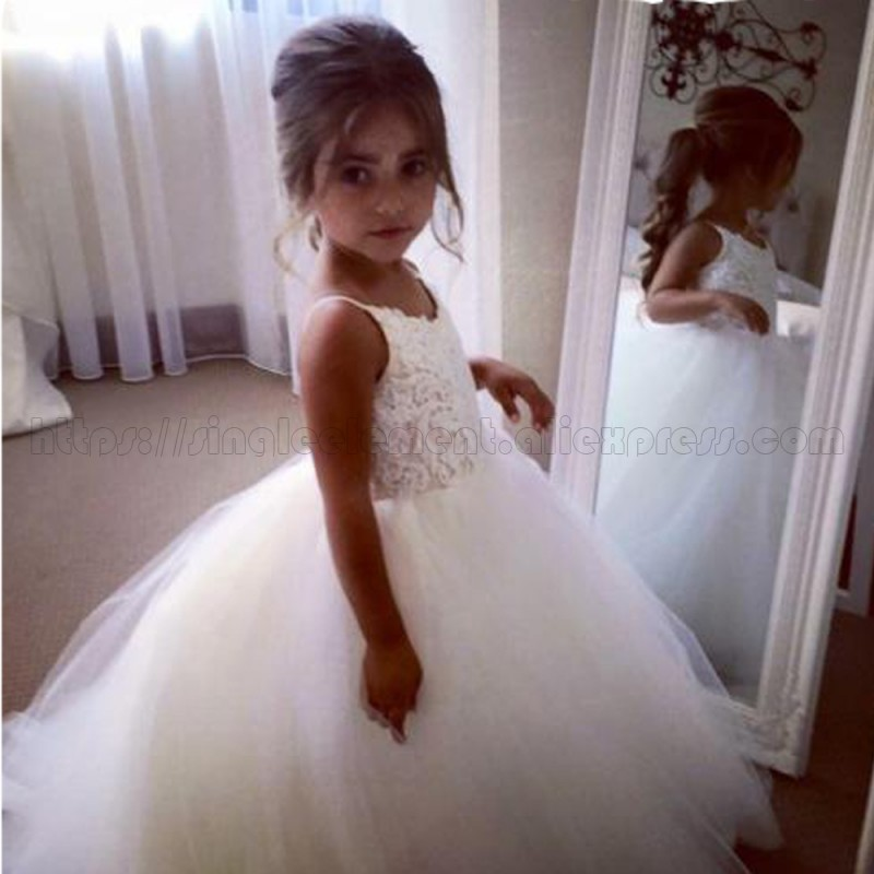 conew_new-first-communion-dresses-for-girls-cheless-ball-gown-lace-appliques-flower-girl