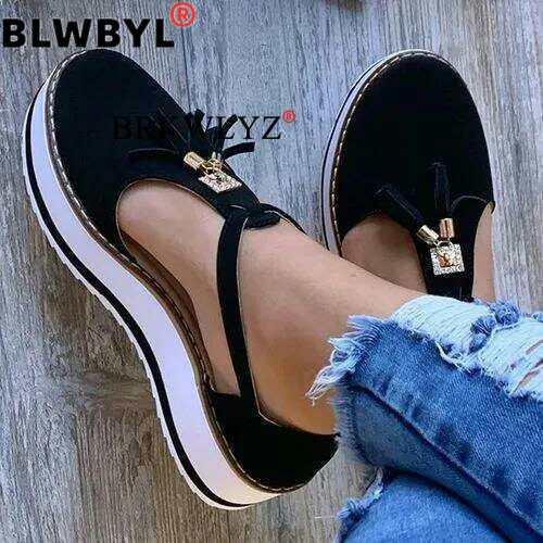 Korean Style New Spot Fashion Tassled Flat Sandals Comfortable Large Size Women's Shoes 35-43 Large Size Women's Sandals