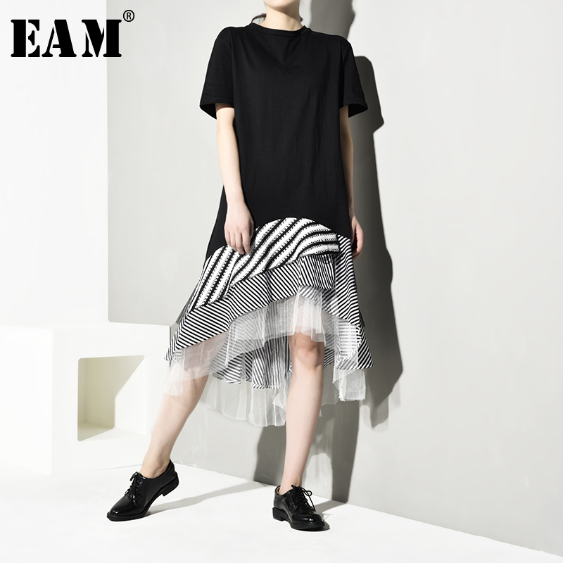 EAM] Women Black Plaid Striped Asymmetrical Mesh Dress New Round Neck Short Sleeve Loose Fit Fashion Spring Summer 2020 HAA393