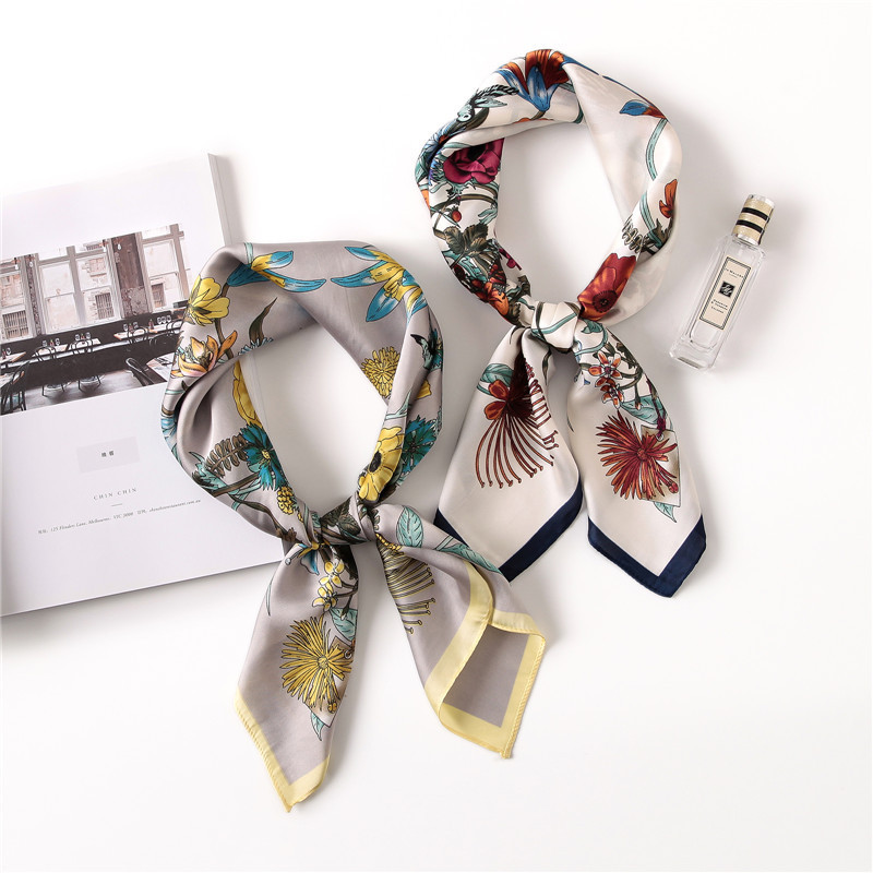 2020 Fashion Spring And Summer Beach Printing Silk Headscarf New Style Lady Sunscreen Square Shawl Women's Quality Silk Scarves