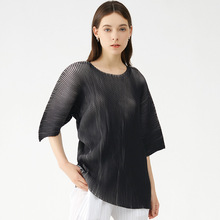 Plus Size Women Clothing Summer T-Shirts INS Round Neck Batwing Sleeves Super Stretch Miyake Pleated Loose Fashion Tops