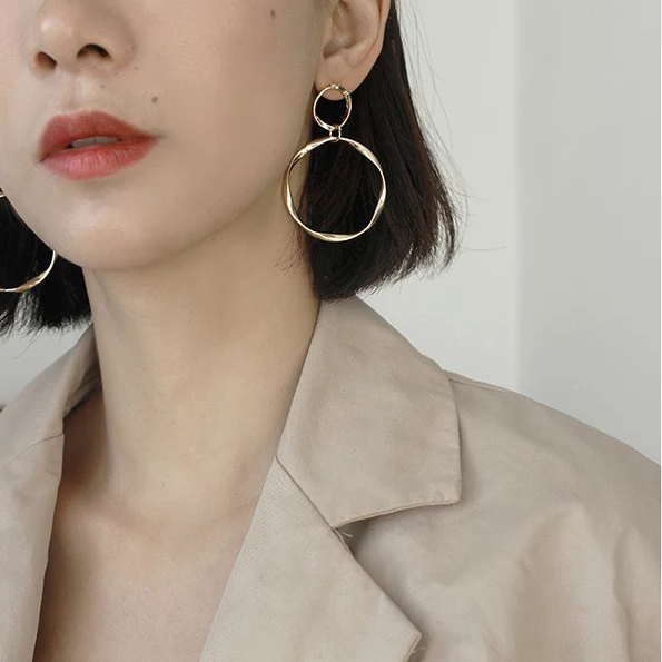 AOMU Korea New Gold Color Plated Vintage Big Circle Pearl Drop Earrings Matte Geometric Oval Round.jpg 640x640 - AOMU Korea New Gold Color Plated Vintage Big Circle Pearl Drop Earrings Matte Geometric Oval Round Metal Knot Earrings for Women