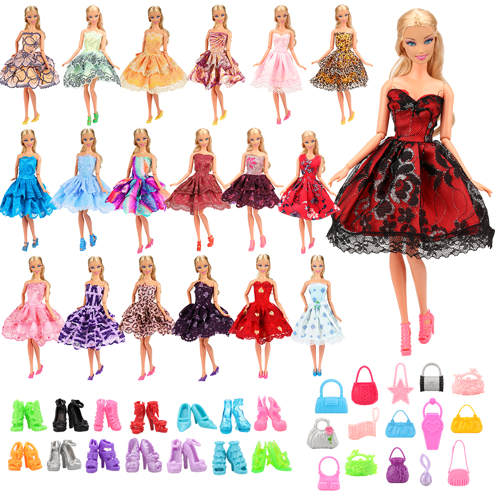 45 Items/Set Doll Things Accessory =15 Dresses Random+15 Dolls Shoes +15 Dolls Bags Accessories For Barbie Game DIY Present Girl