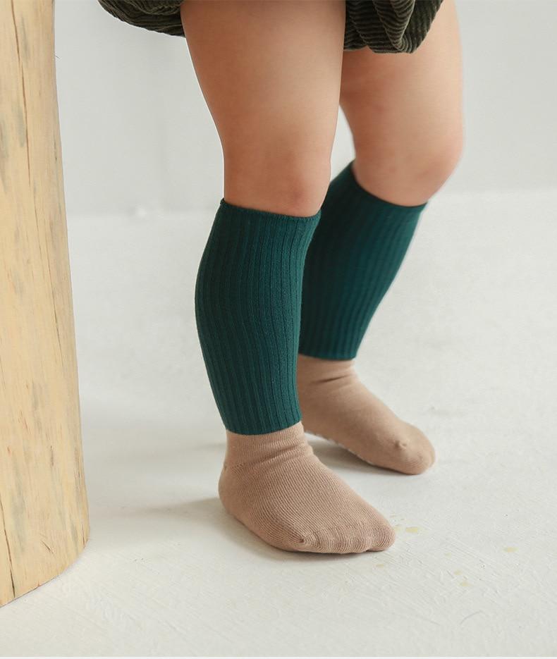 Осенне зимние однотонные хлопковые носки для новорожденных