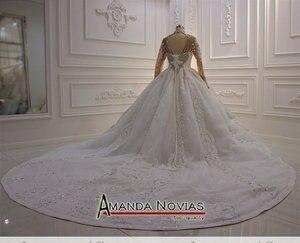 Image 2 - トップ高級ヘビービーズウェディングドレス黒花嫁デザインのウェディングドレスブライダルメイクアップ 2020