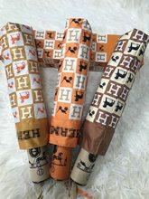 Neue Trendy Marke Automatische Drei-falten Falten Regenschirm Schwarz Kleber Beschichtet Sonnenschirm Anti-Uv Sonnenschirm Regen oder Regen Regenschirm