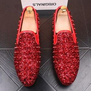Image 1 - Ý thiết kế mens thời trang tiệc prom dress in ấn giày đinh tán phẳng giày nền tảng sneaker phổ biến hip hop giày zapatos de hombre
