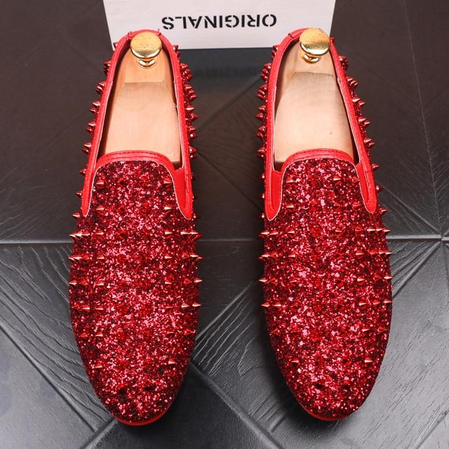 Ý thiết kế mens thời trang tiệc prom dress in ấn giày đinh tán phẳng giày nền tảng sneaker phổ biến hip hop giày zapatos de hombre