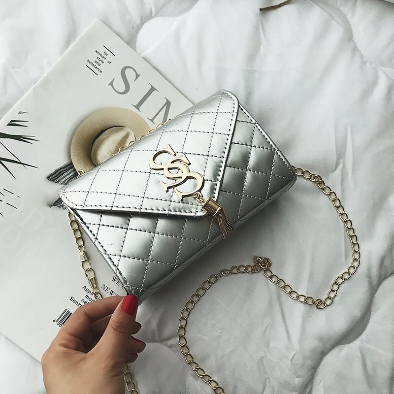 Summer fashion tassel women's bag Pu Lingge chain leisure bright face single shoulder slant span bag small square bag 2020 NEW