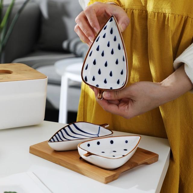 Creative Leaf Shape Seasoning Bowl Ceramic Multipurpose Small Plates Appetizers Snack Dish Sauce Kitchen Dishes Sushi Cake Tray 4
