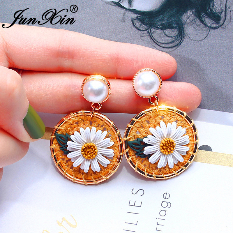 Boho Big Round Cute Daisy Earrings White/Yellow Wool Woven Flower Drop Earrings For Women Bead Pearl Earring Girl Party Jewelry