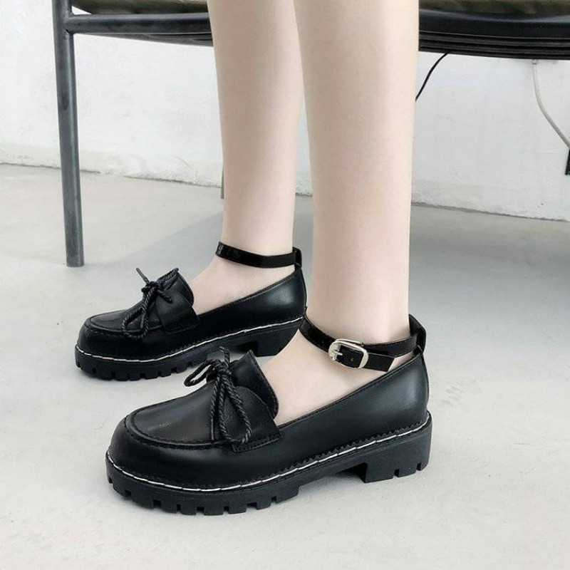 Женские туфли на платформе с пряжкой кожаные в японском стиле