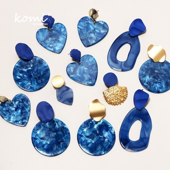 KOMi Bohemian Fashion Blue Gold Geometric Acrylic Earrings Irregular Hollow Circle Heart Leaves Resin Pendant Jewelrys C20217