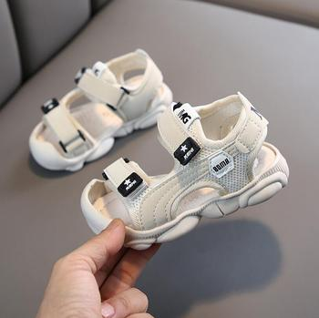 2020 nowe letnie buty dla dziewczynek chłopcy plażowe sandały dziecięce korkowe buty dziecięce skórzane sandały nowe modne obuwie dziecięce tanie i dobre opinie LISUNNY 7-12m 13-24m 25-36m 3-6y 7-12y CN (pochodzenie) Lato Damsko-męskie Miękka skóra Płaskie obcasy Hook loop Dobrze pasuje do rozmiaru wybierz swój normalny rozmiar
