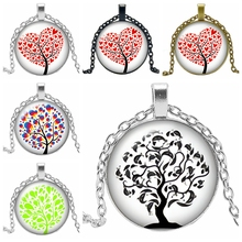 2019 New Creative Necklace Life Tree Gift Glass Convex Round Leaves Pendant Fashion Jewelry