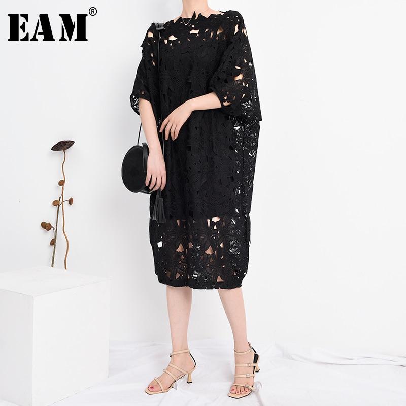 [EAM] Women Black Lace Hollow Out Big Size Dress New Slashc Neck Half Sleeve Loose Fit Fashion Tide Spring Summer 2020 Q09101