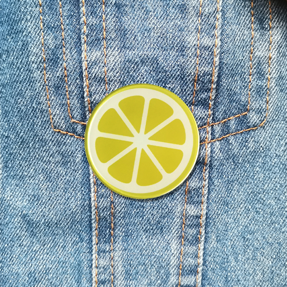 Cute Korea Janpan Style Acrylic Brooch Artificial Fruit Lemon Slices Lapel Pin Brooches Badges For Backpacks Suit Shirt Jewelry