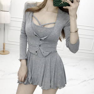 Корейский женский темперамент, тонкий слегка маленький кардиган + сексуальное платье на бретельках, футболка из двух частей shein