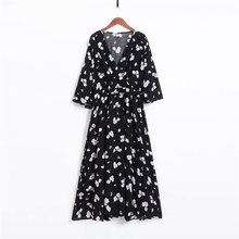Платья с цветочным принтом; Сезон весна осень; Простые повседневные