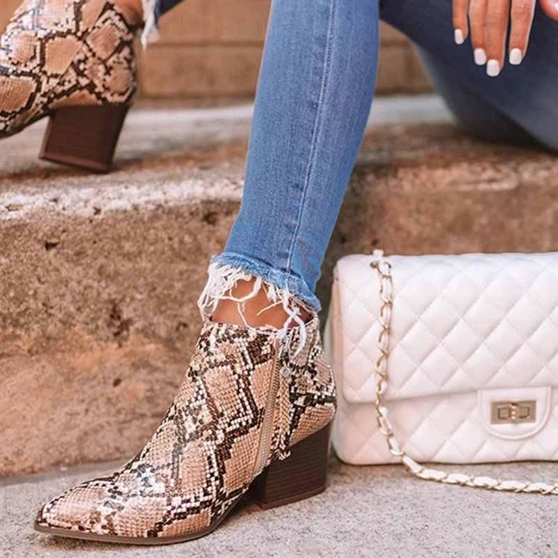ผู้หญิงรองเท้าข้อเท้างูพิมพ์ข้อเท้ารองเท้าส้นแฟชั่นชี้ Toe สุภาพสตรีรองเท้าเซ็กซี่ 2019 ใหม่รองเท้าเชลซี