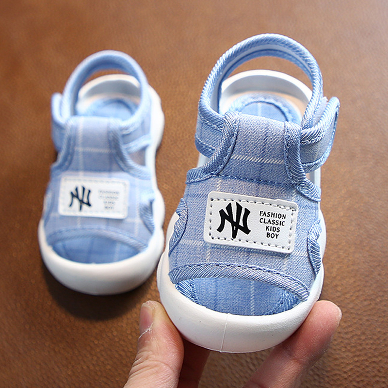 Été 2020 fond souple antidérapant 0-2 ans sandales Baotou hommes et femmes bébé sandales antidérapant bébé chaussures