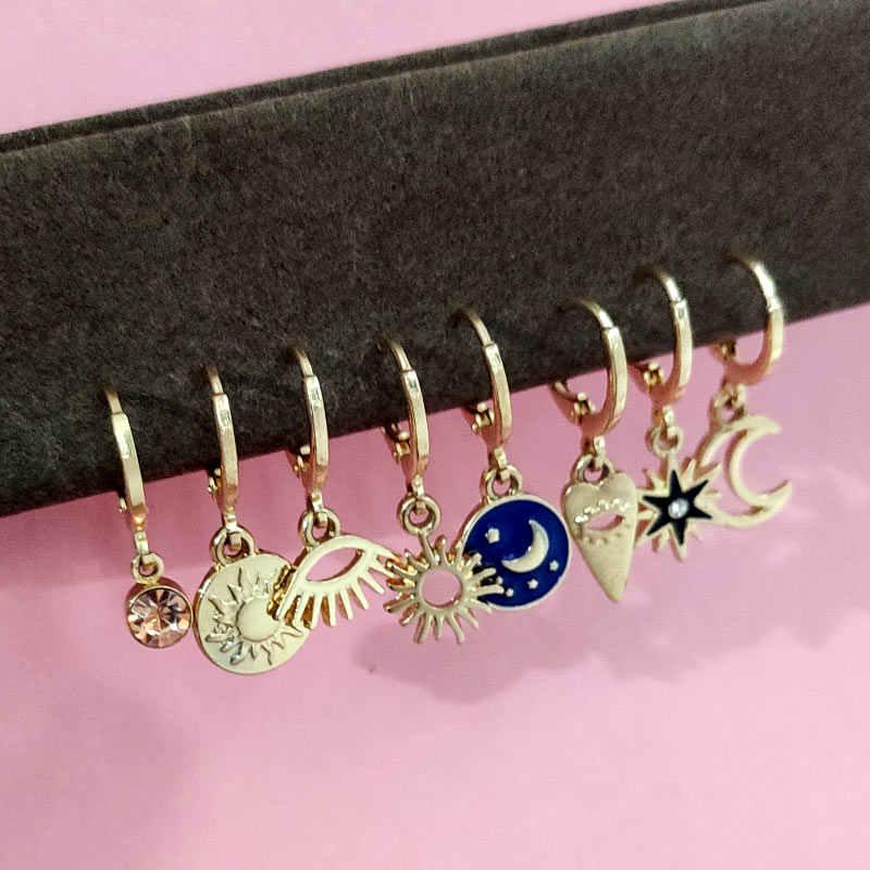 ちょうどお気軽スタームーンフープイヤリング女性のためのゴールド小目小型 Huggie チャームフープラインストーンミニマ宝石