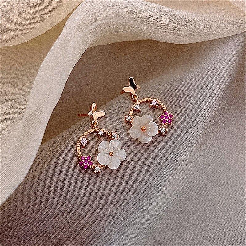 New 2020 sweet lovely fashion shiny crystal flowers Women Drop Earrings elegant fine small metal butterfly Earrings Jewelry